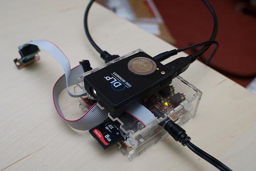 http://codelab.fr/up/beagleboard-picoprojector.jpg