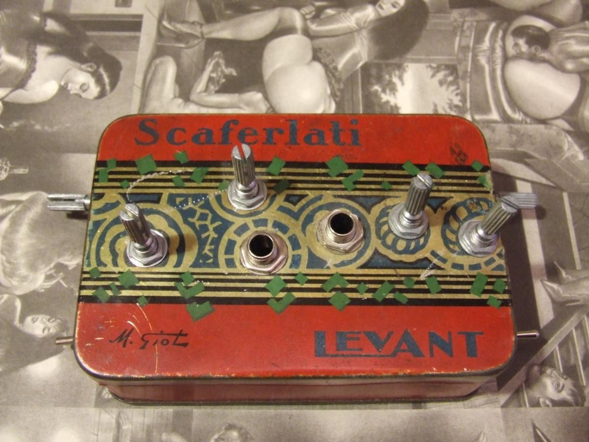 http://codelab.fr/up/dscf2942-atari-punk-console-dessus-1.jpg